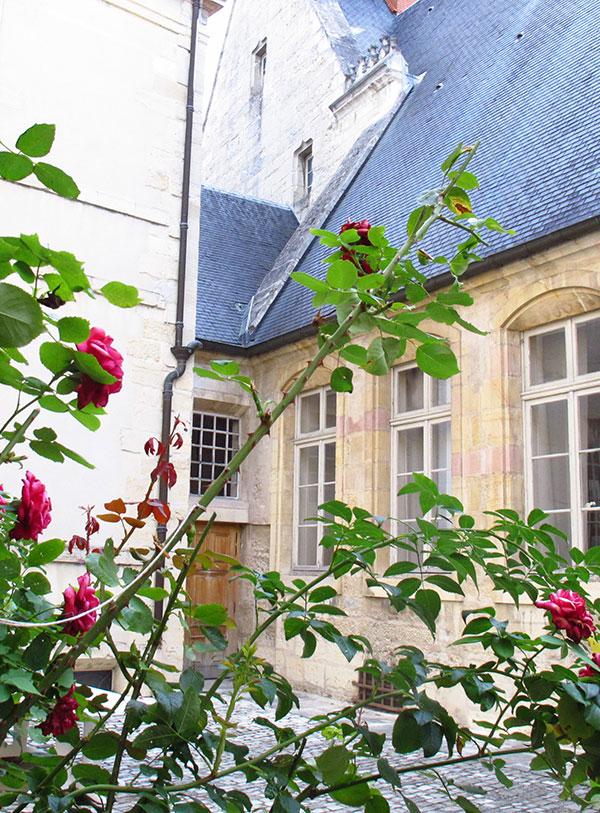 Cour interieure Dijon
